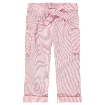 Ίσιο παντελόνι με ρίγες και τσέπες