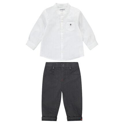 Βαμβακερό σύνολο με λευκό πουκάμισο και γκρι παντελόνι