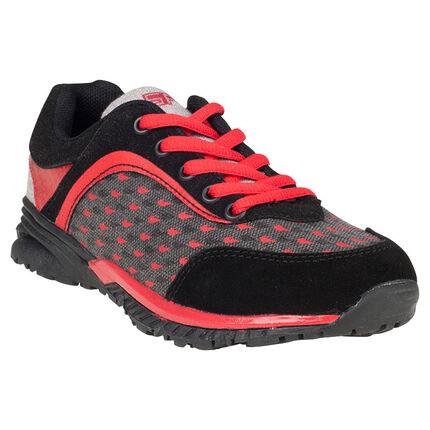 Χαμηλά αθλητικά παπούτσια από δύο υλικά με μοτίβο και κορδόνια σε αντίθεση