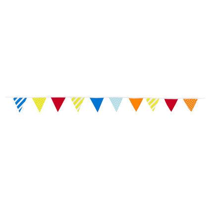 Γιρλάντα γενεθλίων με πολύχρωμα τριγωνάκια και διακοσμητικά μοτίβα