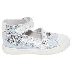 Ασημί δερμάτινα παπούτσια με φαντεζί αστέρια