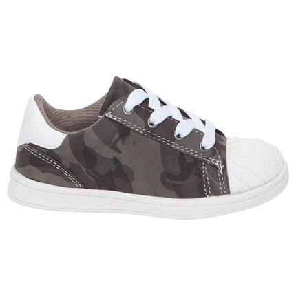 Χαμηλά αθλητικά παπούτσια με κορδόνια σε στρατιωτικό στιλ