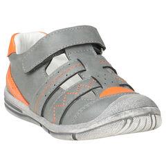 Παπούτσια με μπαρέτα σε απομίμηση δέρματος και σχέδια σε χρώμα που κάνει αντίθεση
