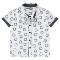 Κοντομάνικο βαμβακερό πουκάμισο με μοτίβο ήλιους και σαμπρέ λεπτομέρειες