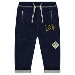 Φανελένιο παντελόνι σε στιλ τζιν με σήματα