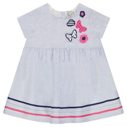 Κοντομάνικο φόρεμα με κεντημένα μοτίβα και γαλόνια σε χρώμα που κάνει αντίθεση