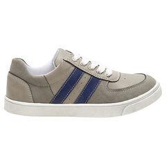 Χαμηλά αθλητικά παπούτσια με κορδόνια και λωρίδες σε χρώμα που κάνει αντίθεση