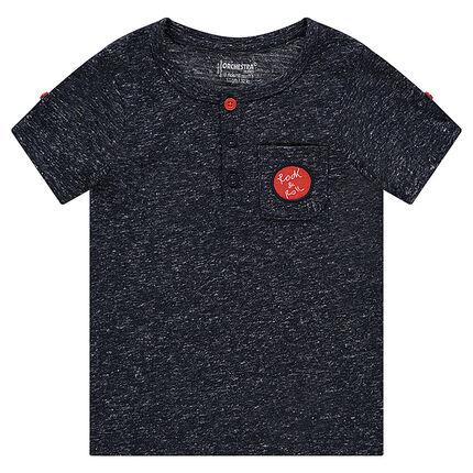 Κοντομάνικη μπλούζα με κηλίδες στην ύφανση και πλακέ τσέπη