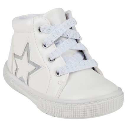 Bottillons blancs à lacets et zip avec patch étoile