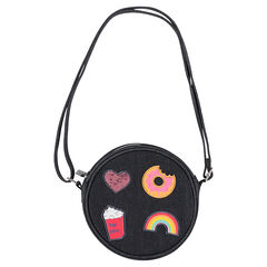 Στρογγυλή τσάντα με λουρί ώμου από ύφασμα με όψη ντένιμ και διακοσμητικά σήματα
