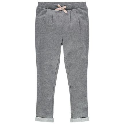 Πλεκτό παντελόνι με πιέτες και φιόγκο που κάνει αντίθεση