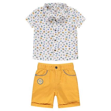 Σύνολο εμπριμέ πουκάμισο και κίτρινη βερμούδα