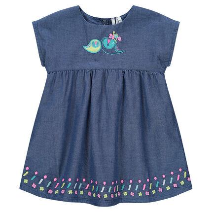 Κοντομάνικο φόρεμα από σαμπρέ ύφασμα και κεντήματα