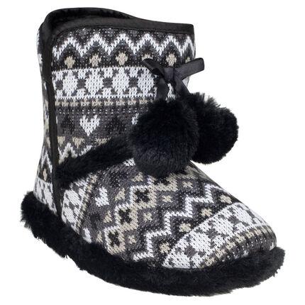 Chaussons forme bottines en tricot fantaisie avec pompons