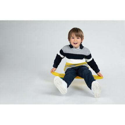Χοντρό πλεκτό πουλόβερ με λωρίδες που κάνουν αντίθεση