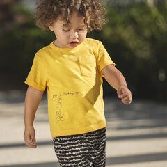 Σύνολο με μονόχρωμη μπλούζα Disney με στάμπα Mickey και βερμούδα εμπριμέ
