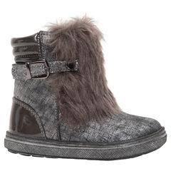 Χαμηλές κοριτσίστικες μπότες σε ασημί γυαλιστερό χρώμα με συνθετική γούνα και αγκράφα