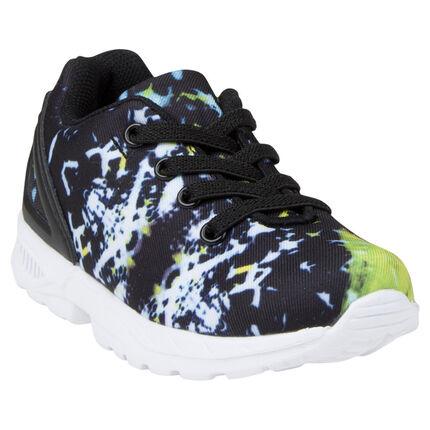 Χαμηλά αθλητικά παπούτσια με γραμμικό σχέδιο