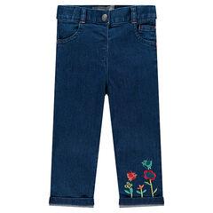 Slim τζιν με κεντημένα λουλούδια