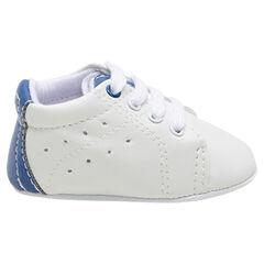 Χαμηλά μαλακά αθλητικά παπούτσια από συνθετικό δέρμα με κορδόνια