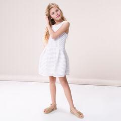 Κοντομάνικο φόρεμα από δαντέλα με κουφόπιετες