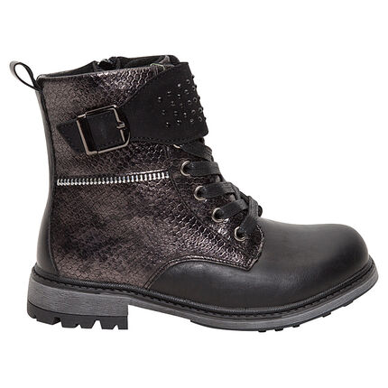 Μαύρες μπότες με εφέ κροκό και διακοσμητικά στρας