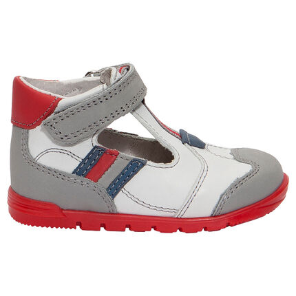 Δερμάτινα παπούτσια με μπαρέτα με φάσες σε αντίθεση