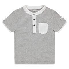 Κοντομάνικη ζέρσεϊ μπλούζα με τσέπη και φαντεζί λαιμόκοψη